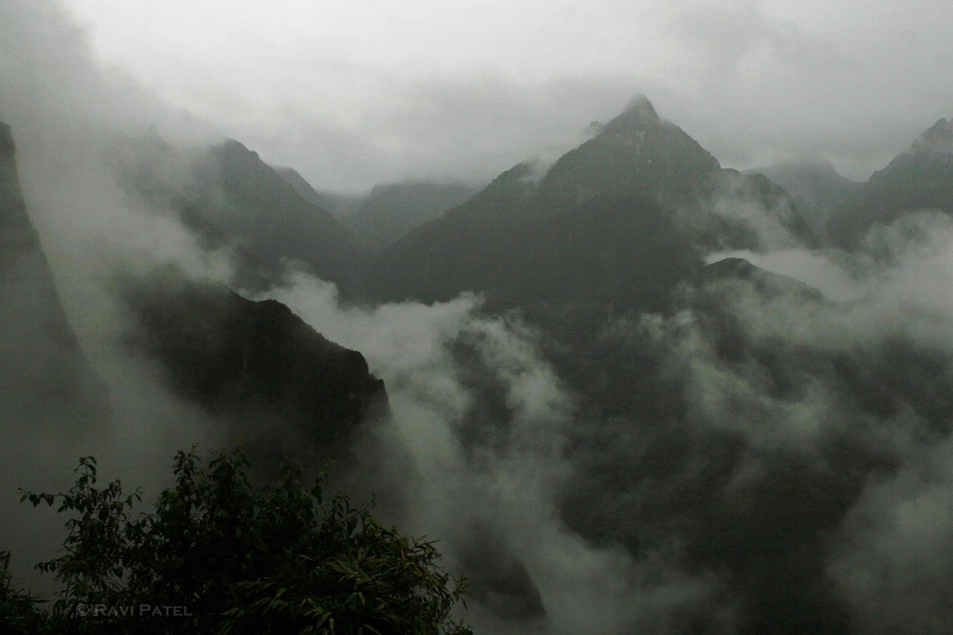 Machu Picchu – Morning Mist | Photos by Ravi