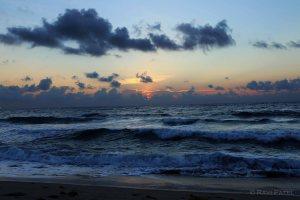 Florida - Palm Beach - Awaiting Sunrise