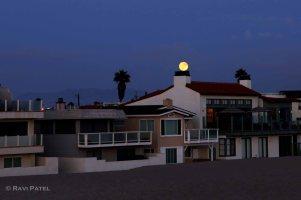 A Balanced Full Moon
