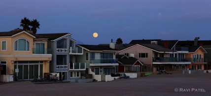 Full Moon on Silver Strand Beach