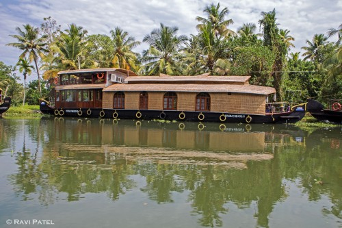 A Houseboat with Style